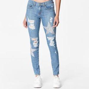NWT CARMAR distressed Star patch denim jeans